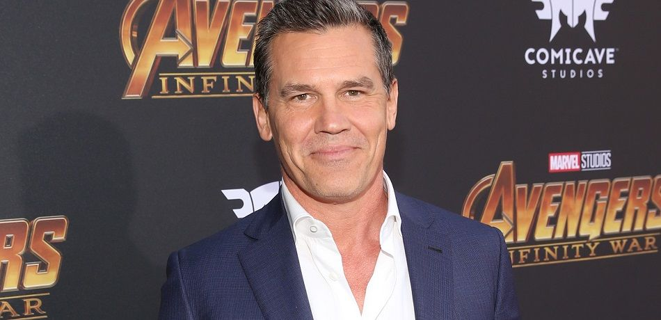 Josh brolin naked with wife