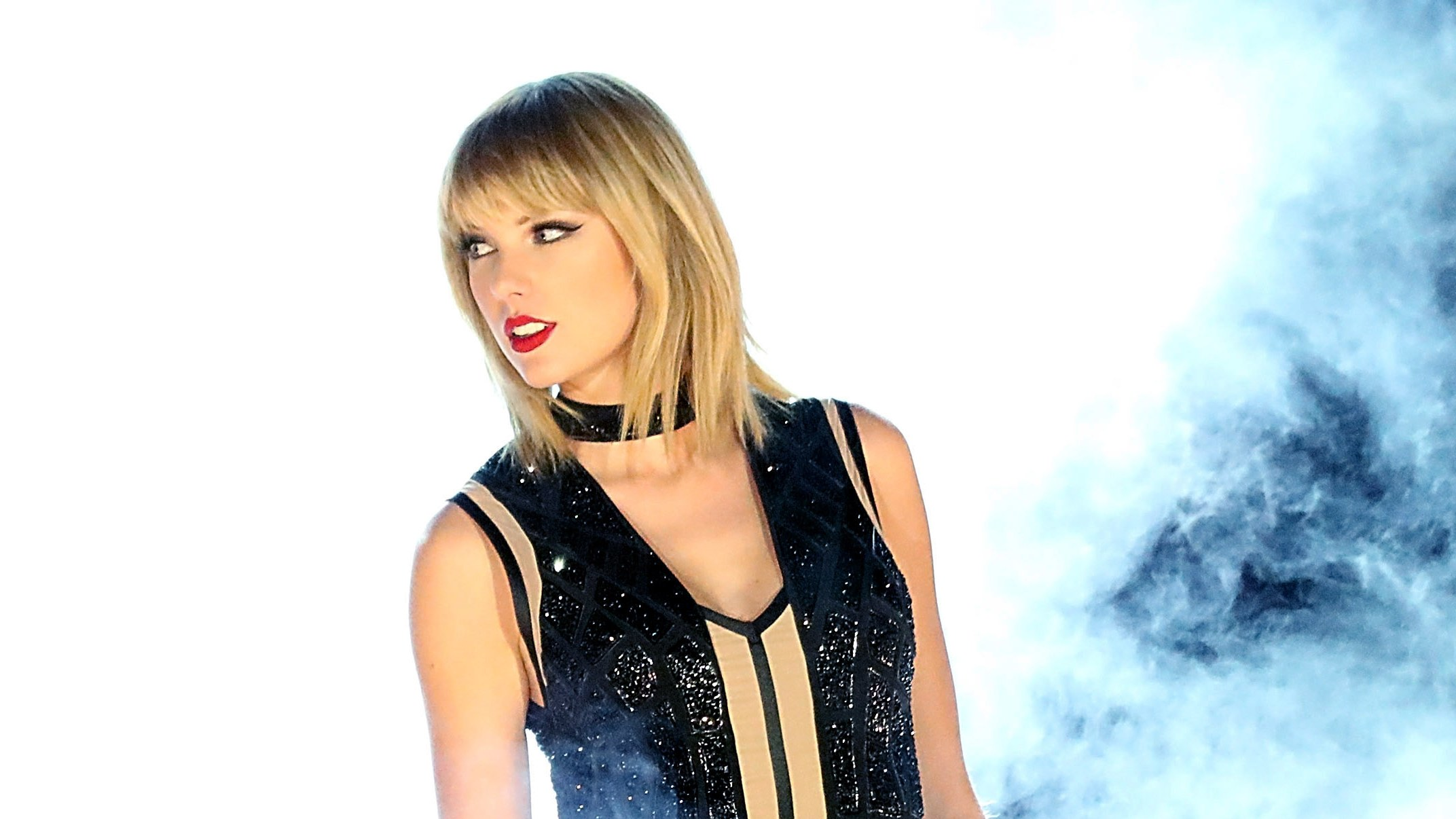 Taylor Swift Looks Completely Different With Red Hair Hot Lifestyle News